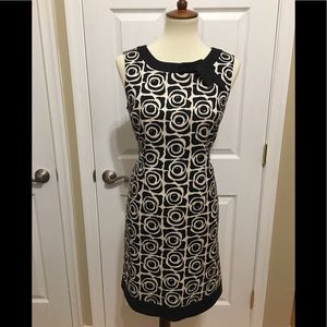 Tahari Sleeveless Shift Dress Size 8P